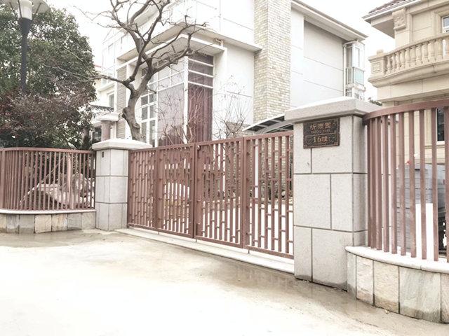 太仓世纪苑别墅庭院景观工程施工实景